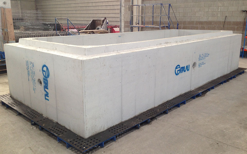 Modular moulds for wet cast box culverts