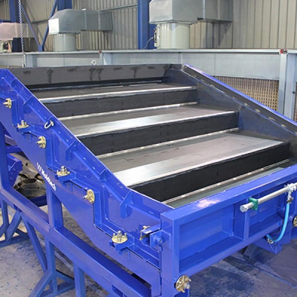MOULD FOR STADIUM BLEACHER ELEMENTS